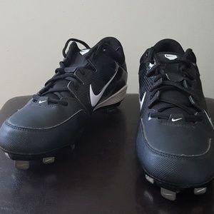 Nike Hyperdiamond Size 7.5 Softball Cleats Black.